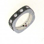 Кольцо в белом золоте с чёрными бриллиантами из коллекции Pois Moi